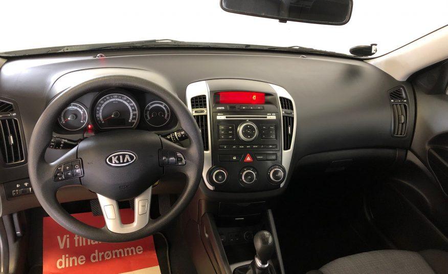 Kia Ceed 1,4 CVVT 90 Celebration 5d